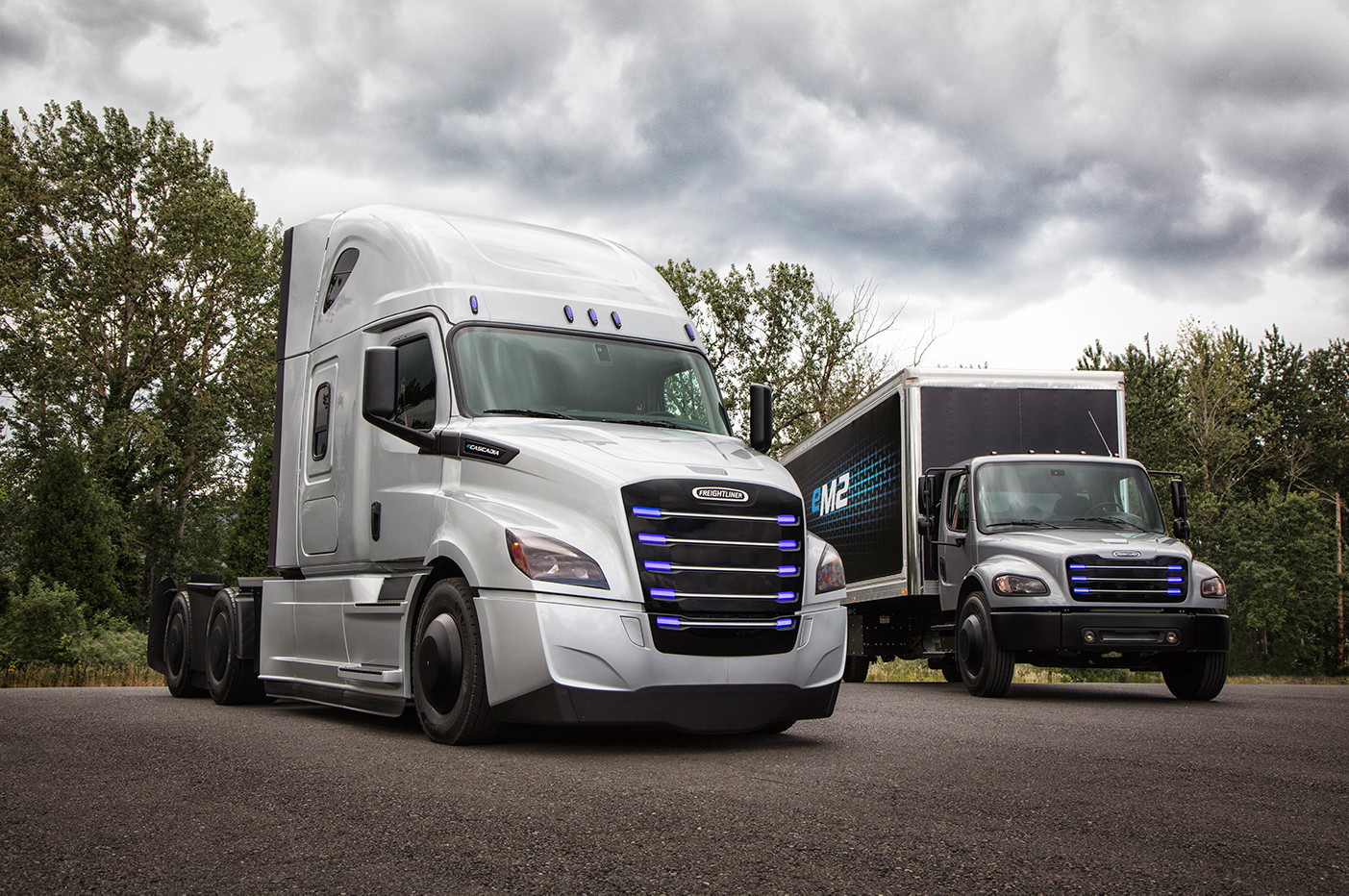 freightliner-trucks.jpg